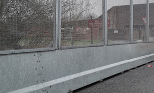 BarrierGuard 800 with Fencing & Posts